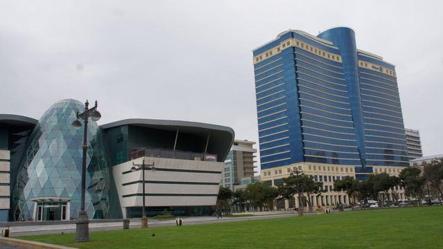 Прогулка по Баку часть 9 фото.mpg