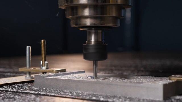 Как фрезеровать оргстекло, акрил и мягкие металлы (алюминий, медь, латунь).