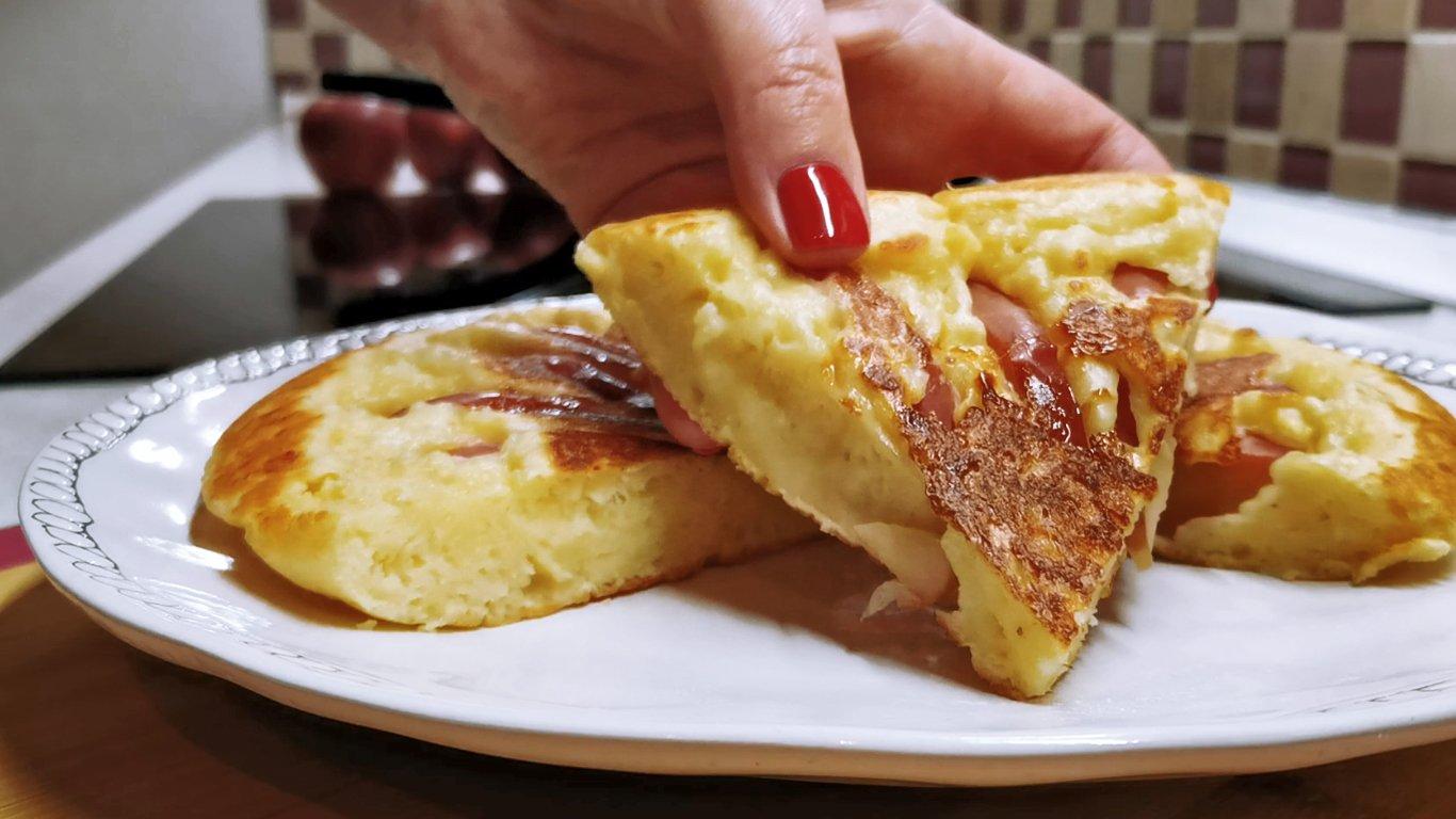 Все смешала и на сковородку. Как я готовлю творожные ЛЕПЕШКИ с яблоками на ЗАВТРАК или перекус.mp4