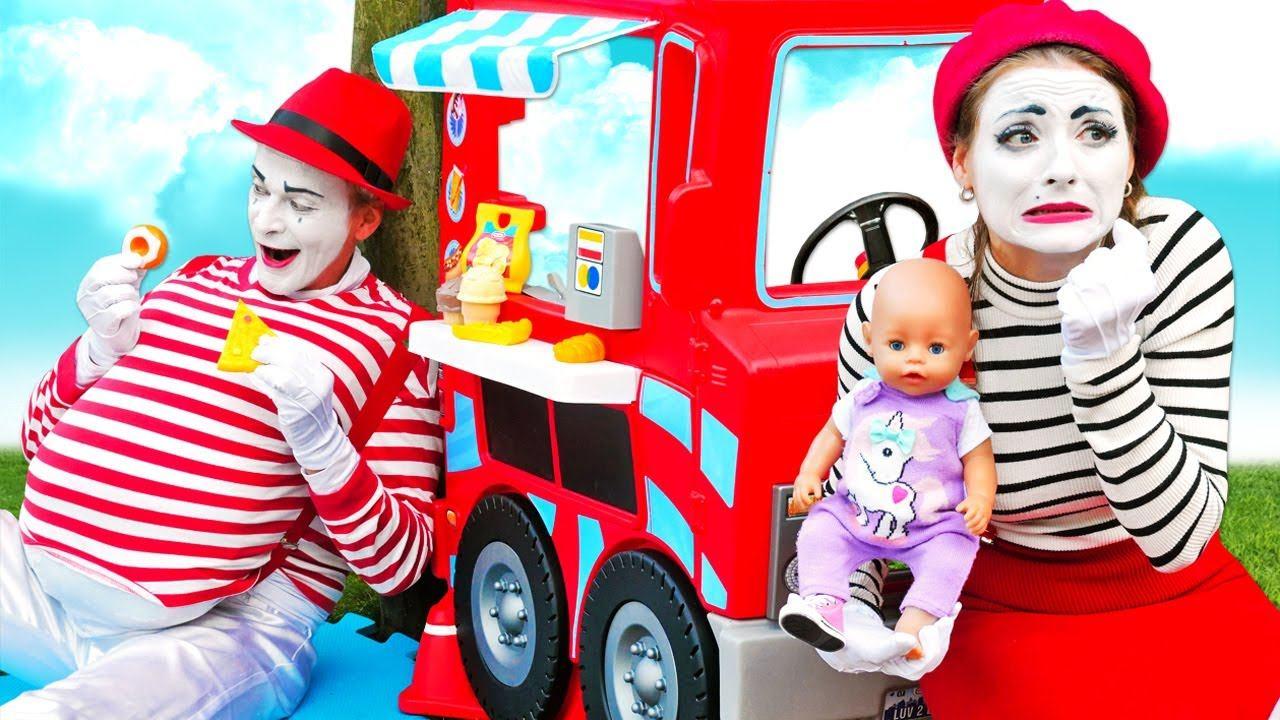Весёлые игры одевалки - Кукла БЕБИ БОН и Мим! Слишком много Вкусняшек! - Прикольные видео Baby Born