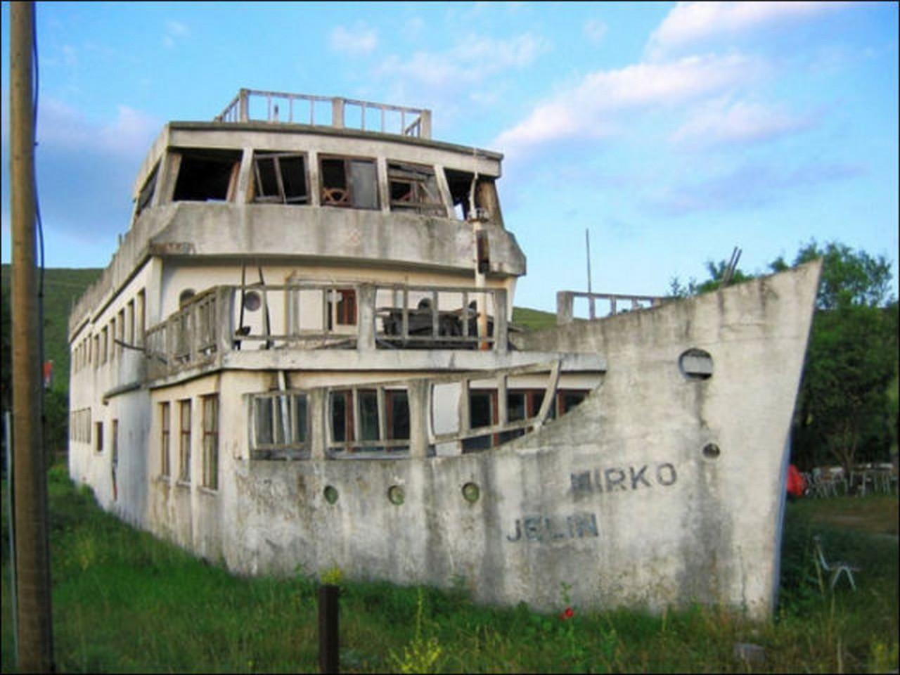 Корабли из бетона. Зачем их строили, и почему они не тонули