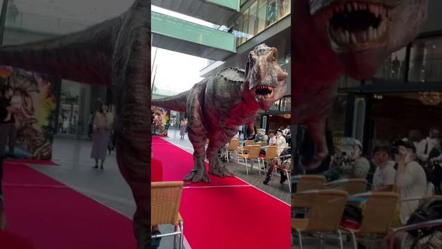 Тираннозавр жив