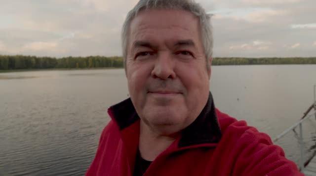 Озеро Увильды в сентябре - погода мрачная и вода уходит