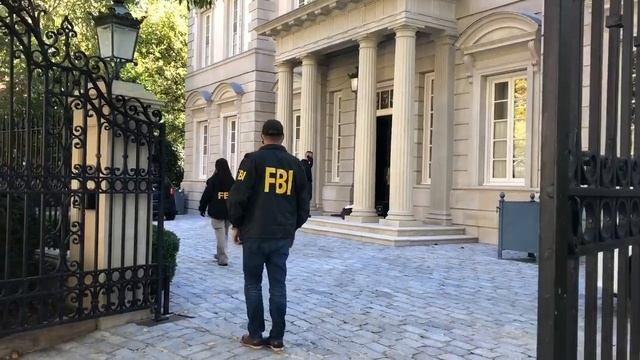 ФБР проводит обыск в доме Дерипаски в Вашингтоне